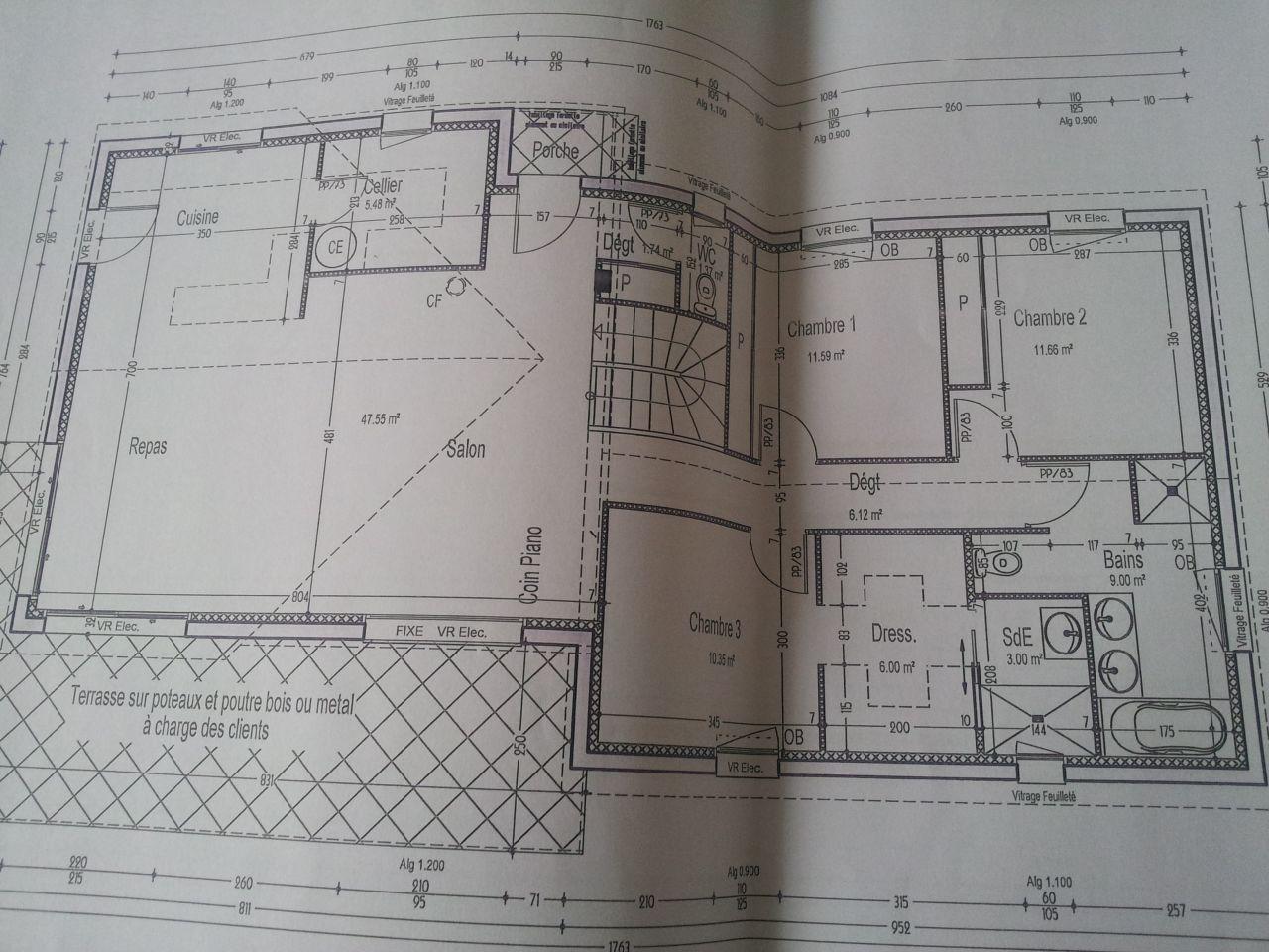 Voici les photos du terrain ainsi que le plan de notre constructeur qui a déjà été revu plusieurs fois je souhaite avoir votre avis notamment sur