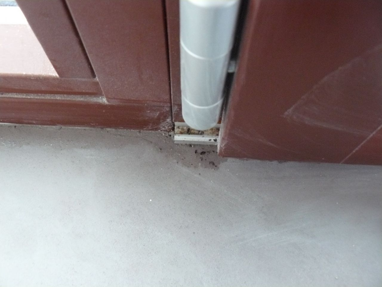 infiltration de la baie Ouest de ma maison GLV (baie INTERNORM, un tiers ouvrant ÃÃ'ƒÃÂÂ'Ã'ƒÃƒÃÂ'Â'ÃÂÂ'Ã' la franÃÃ'ƒÃÂÂ'Ã'ƒÃƒÃÂ'Â'ÃÂÂ'Ã'§aise - 2/3 fixe) <br /> la maison est neuve (mai 2012)