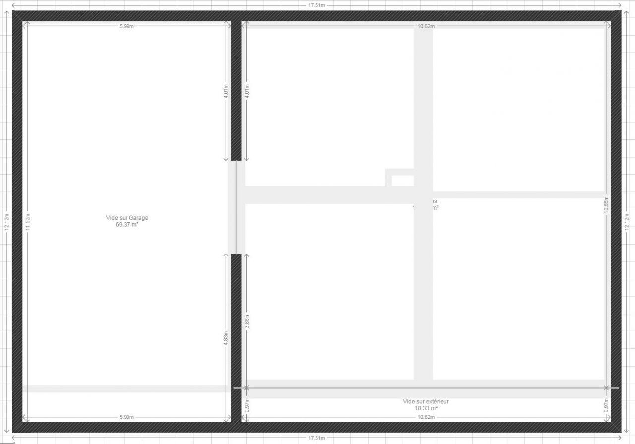 Plan ORIGINAL R2 (Combles) La partie gauche représente le garage, qui en faite est un vide de la dalle jusqu'au toit. La partie droite représente le dessus du R1. Pour le moment cette partie est brute