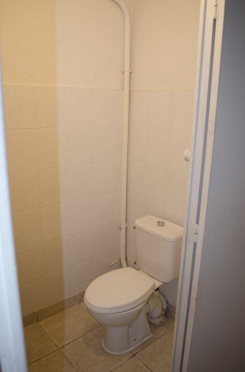 Toilette RDC: Très utile pour réfléchir aux futur plans de la maison