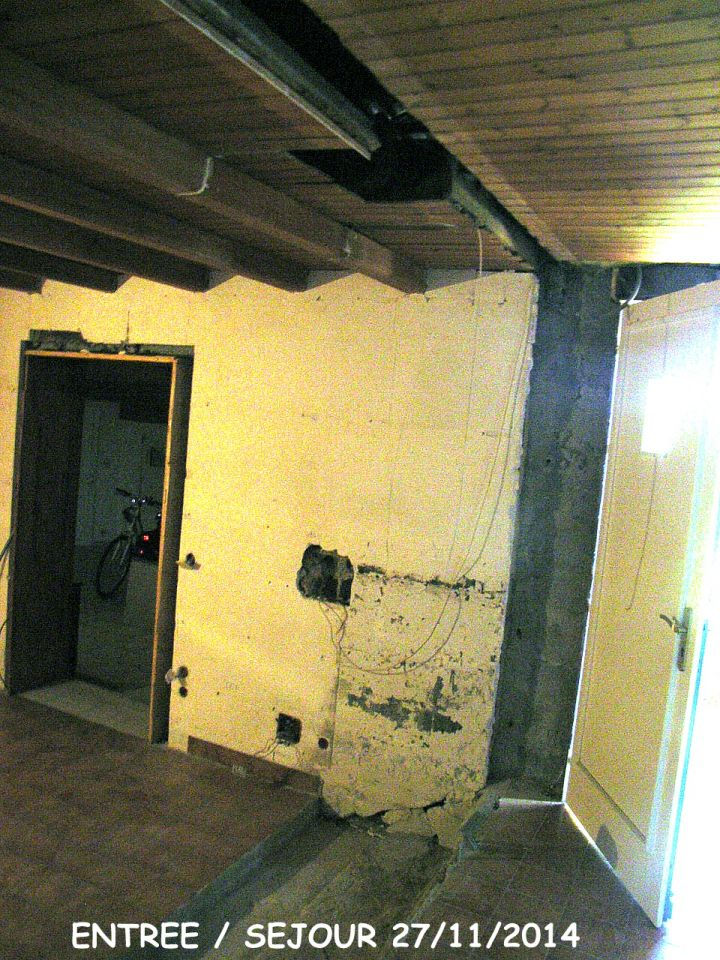 """dÃ?©molition cheminÃ?©e et mur entre  l'entrÃ?©e et le sÃ?©jour """"petit salon"""""""