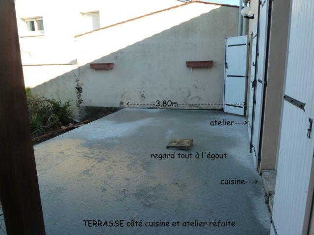 terrasse devant la maison en béton