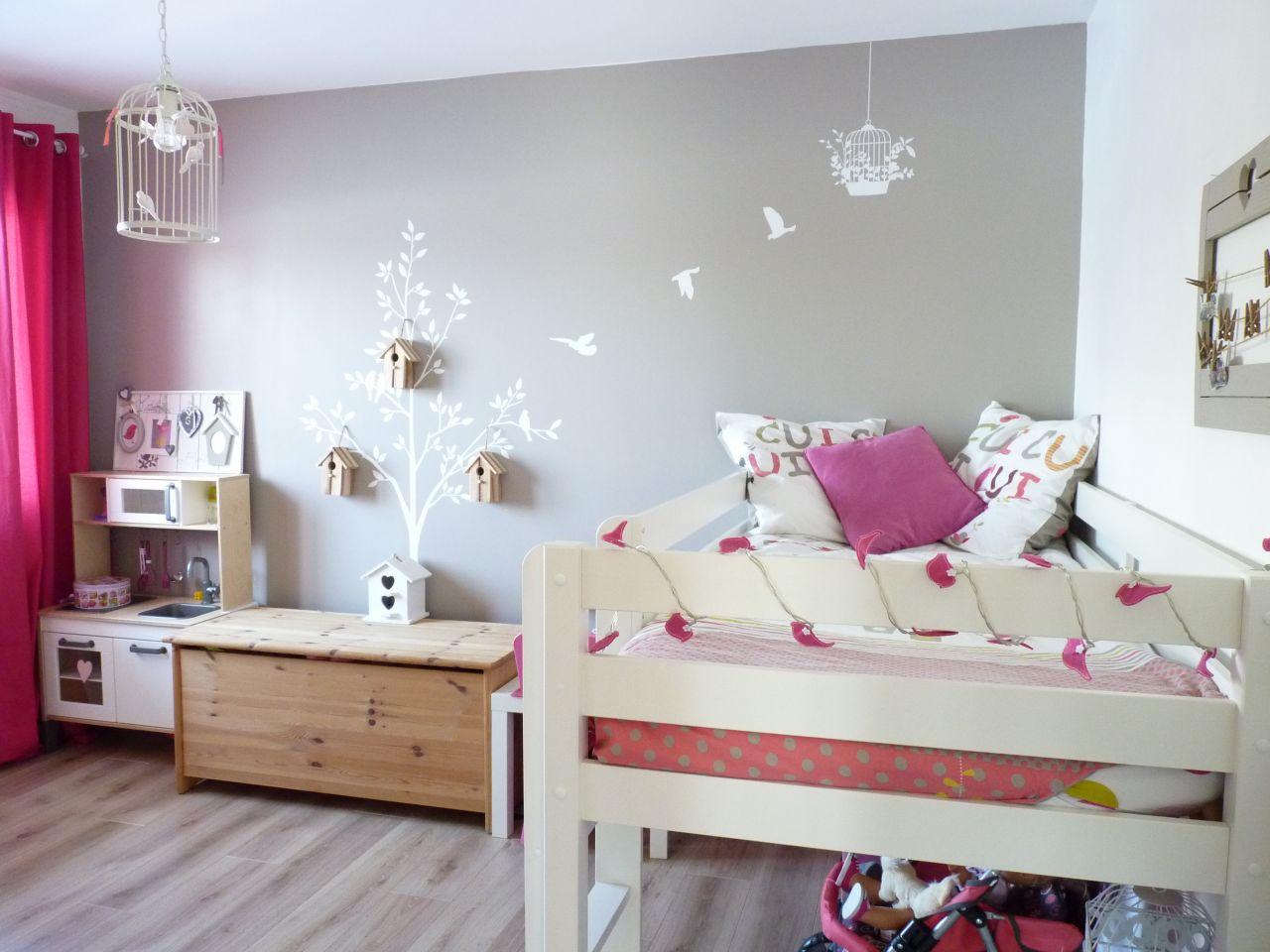 Chambre d'enfant teintes murales blanches - Savoie (73) - février 2015
