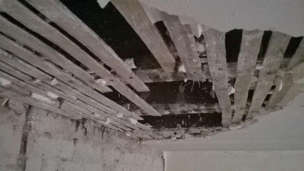 Plafond en lattis plâtre