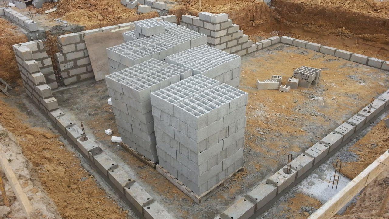 Élévation mur cave et vide sanitaire