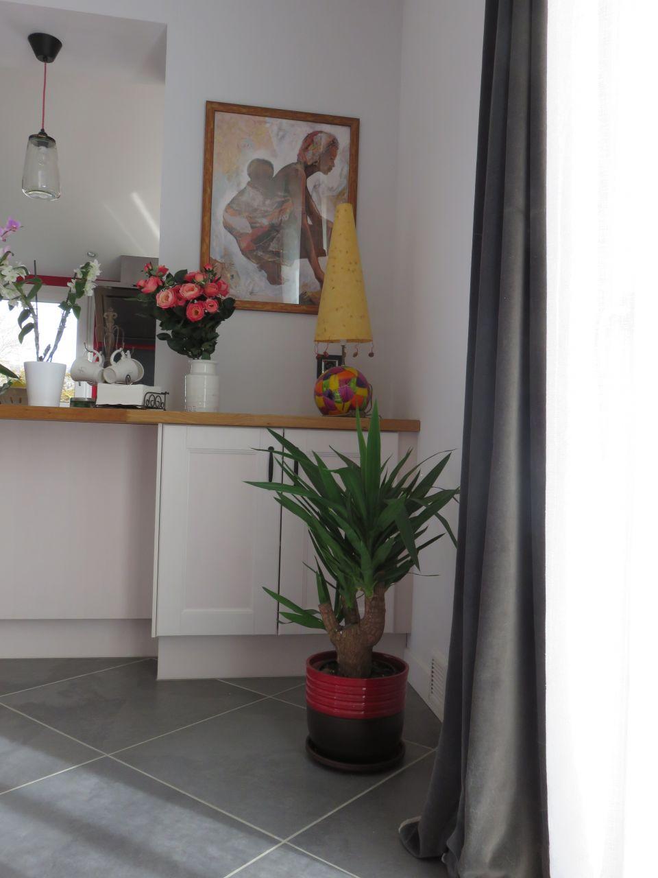 Du vert dans la maison des couleurs partout poteaux de for Combien de couleur dans un salon