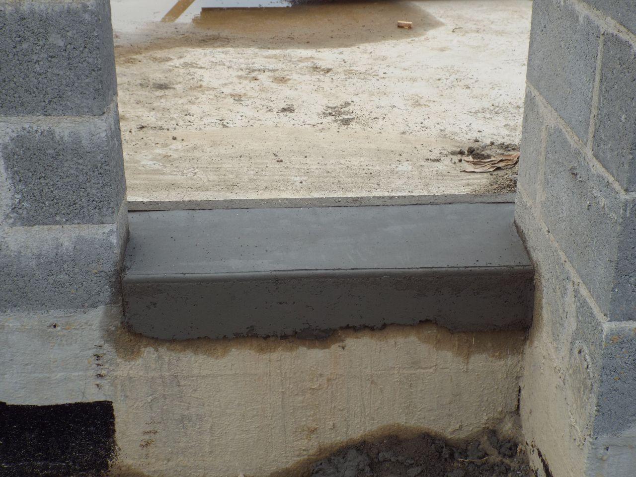 Pose des seuils et des appuis de fenêtre