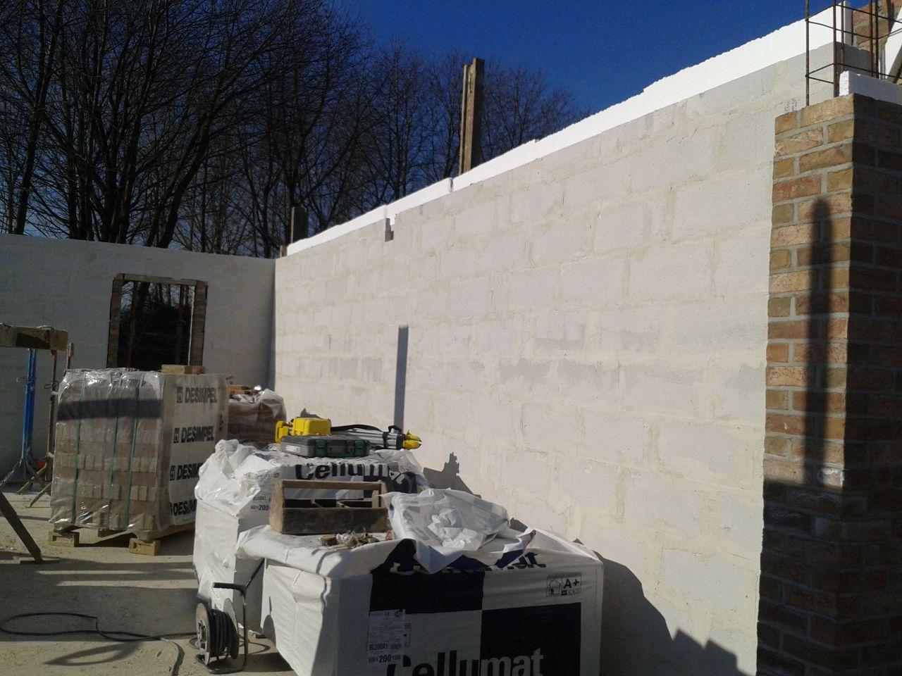 mur cellumat côté garage super les ouvriers