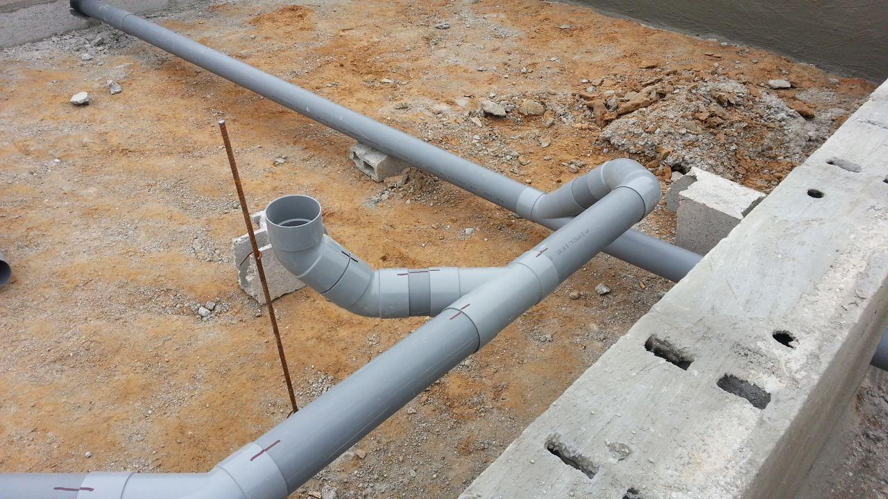 Pose du réseau eau usée dans vide sanitaire