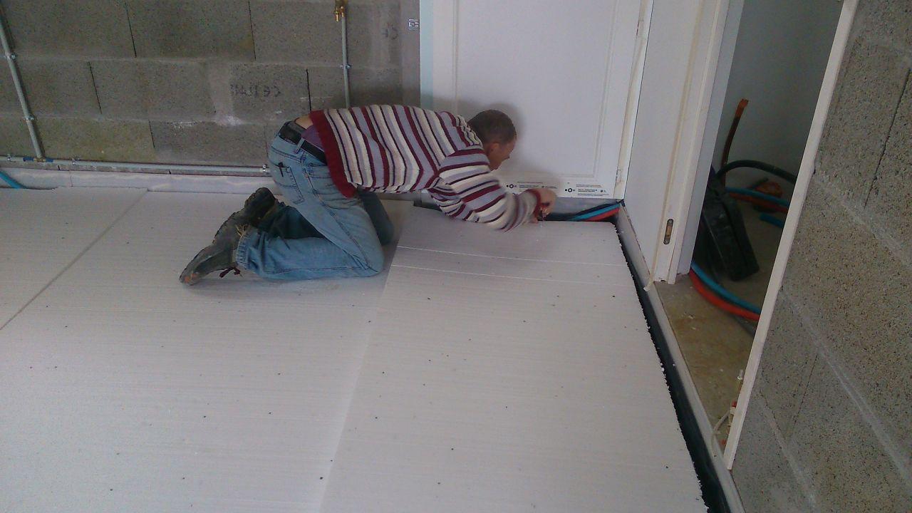 photo pr paration du garage b che anti humidit polystyr ne et treillis autres travaux de. Black Bedroom Furniture Sets. Home Design Ideas