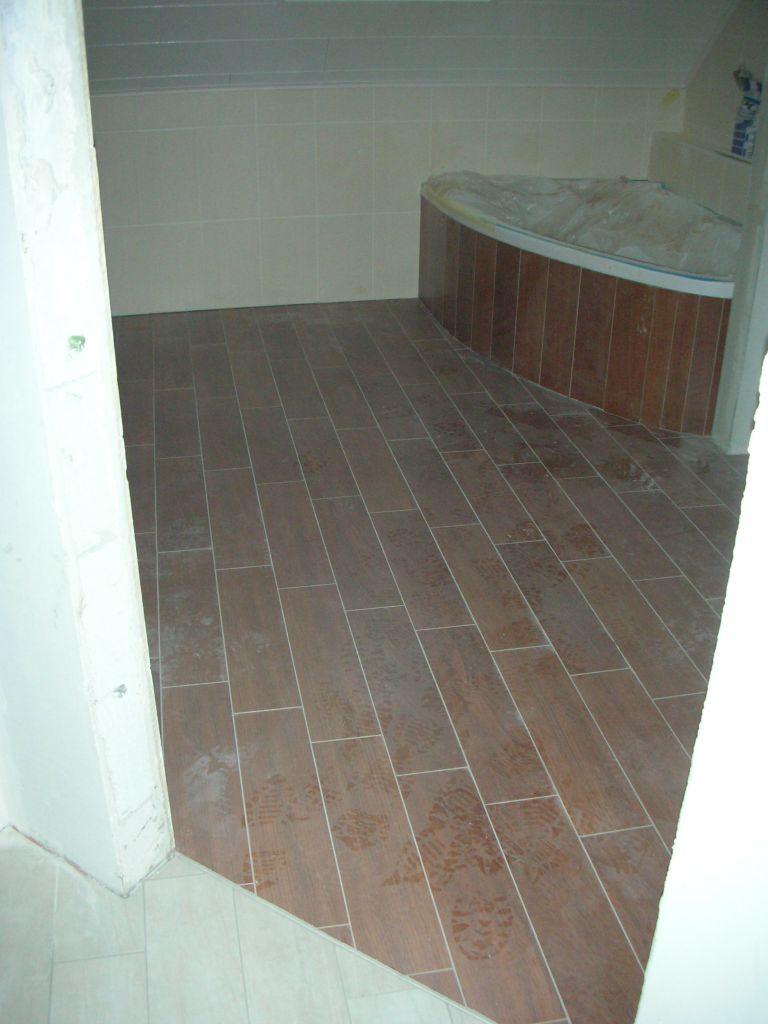 Joints blanc au sol dans la salle de bain ? - 10 messages