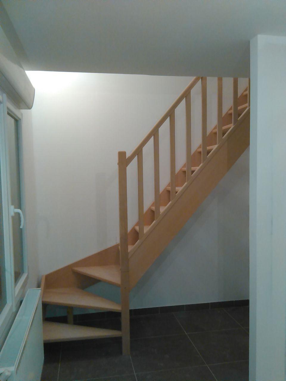 Toilettes pose d 39 un escalier pose d 39 une moquette pas for Pose moquette escalier