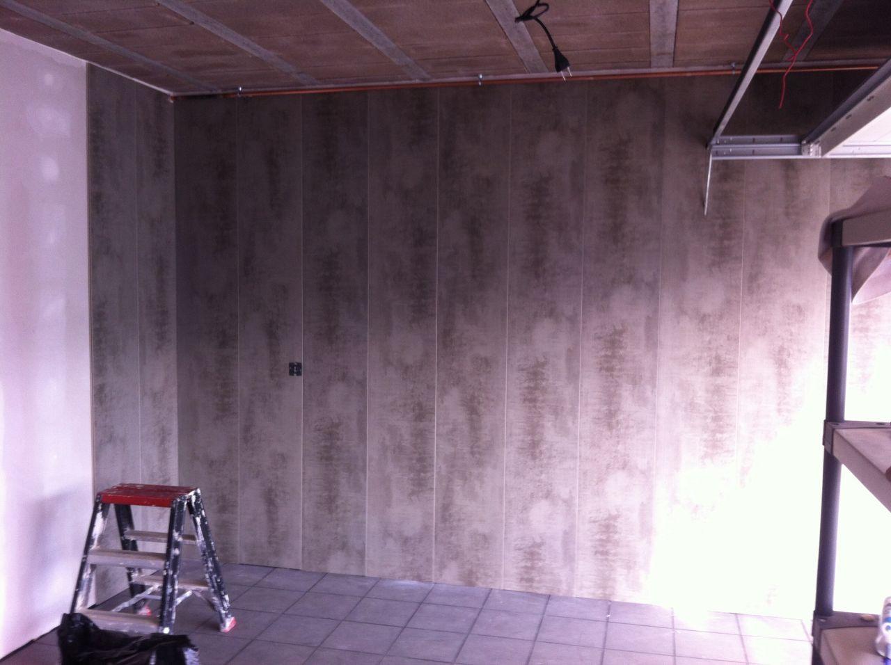 Habillage des murs du garage ottange moselle for Habillage mur interieur pvc