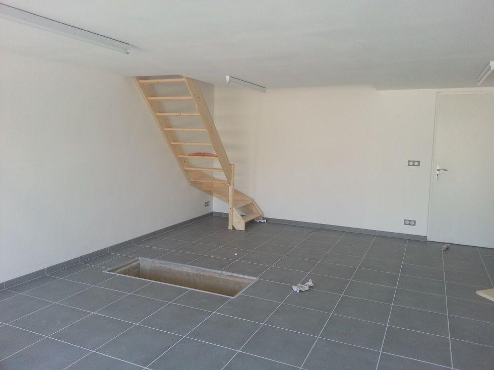 Moisissure dans un grenier 10 messages for Escalier dans le vide