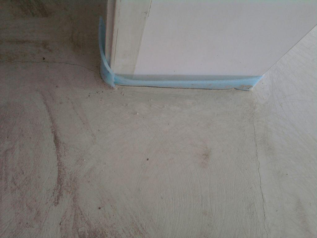 Chape fissur e pendant essai chauffage plancher chauffant - Joint dilatation carrelage plancher chauffant ...