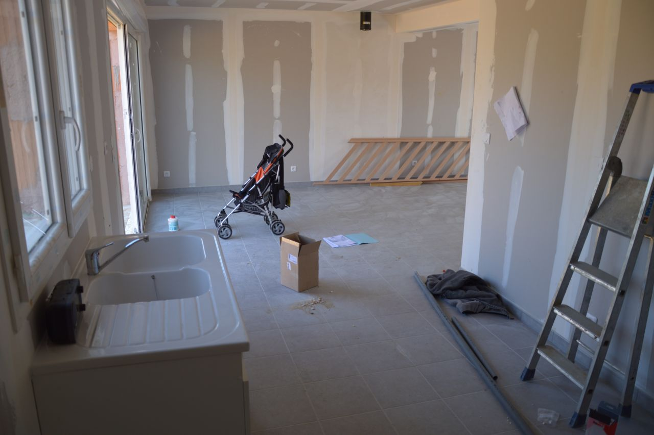 electricit plomberie chape et carrelage electricit plomberie chape et carrelage petit. Black Bedroom Furniture Sets. Home Design Ideas