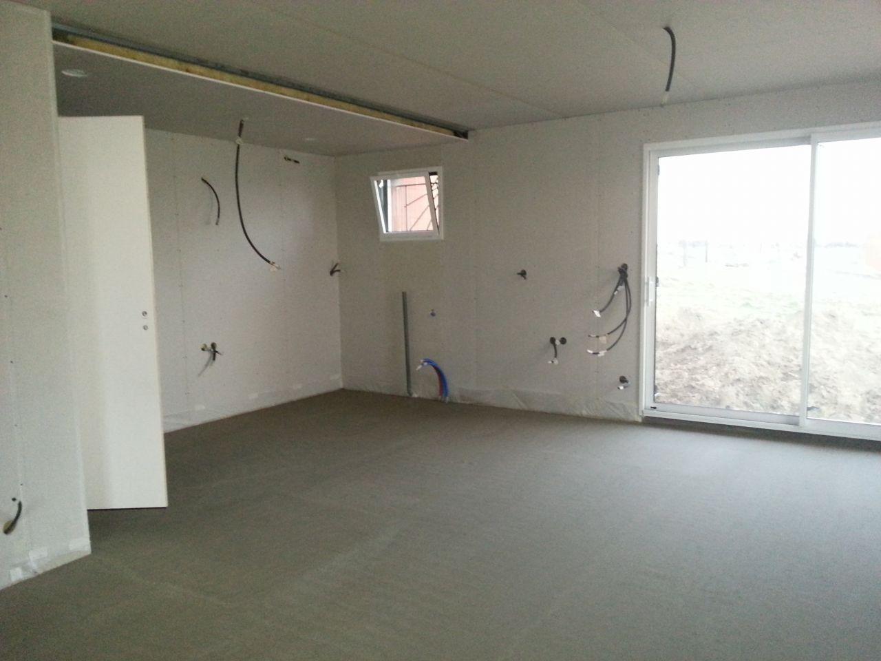 plancher bas du rdc ravoirage isolant chape plomberie et lectricit le placo avance. Black Bedroom Furniture Sets. Home Design Ideas