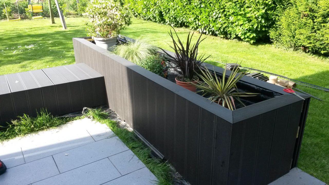 Photo r alisation jardini re en lames composites for Plante pour jardiniere exterieur