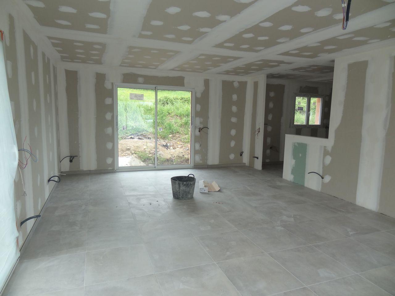 Carrelage grand carreaux maison design for Grand carreau carrelage
