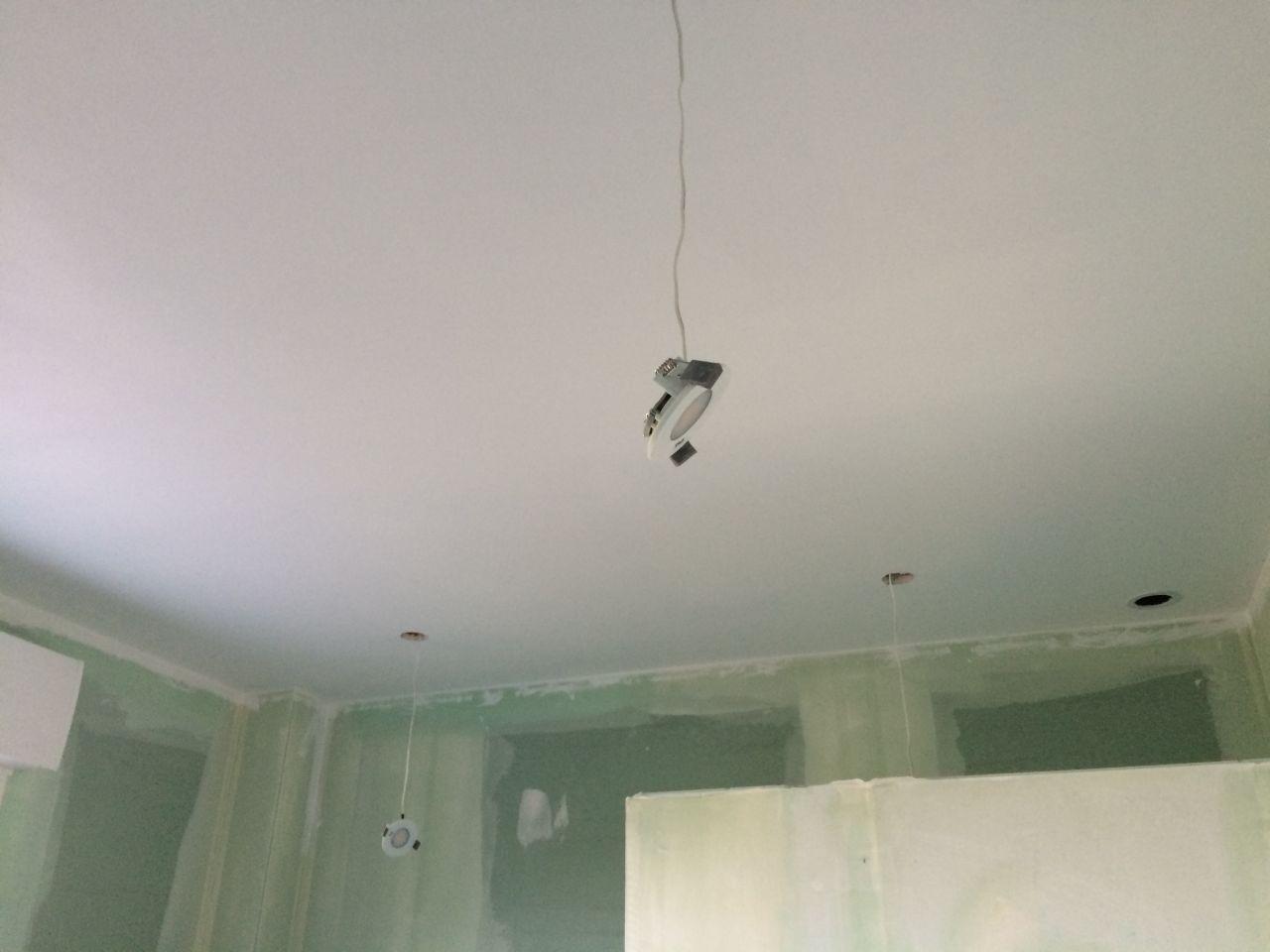 Remise des cl pon age sous couche plafond et murs joint for Quel peinture pour plafond