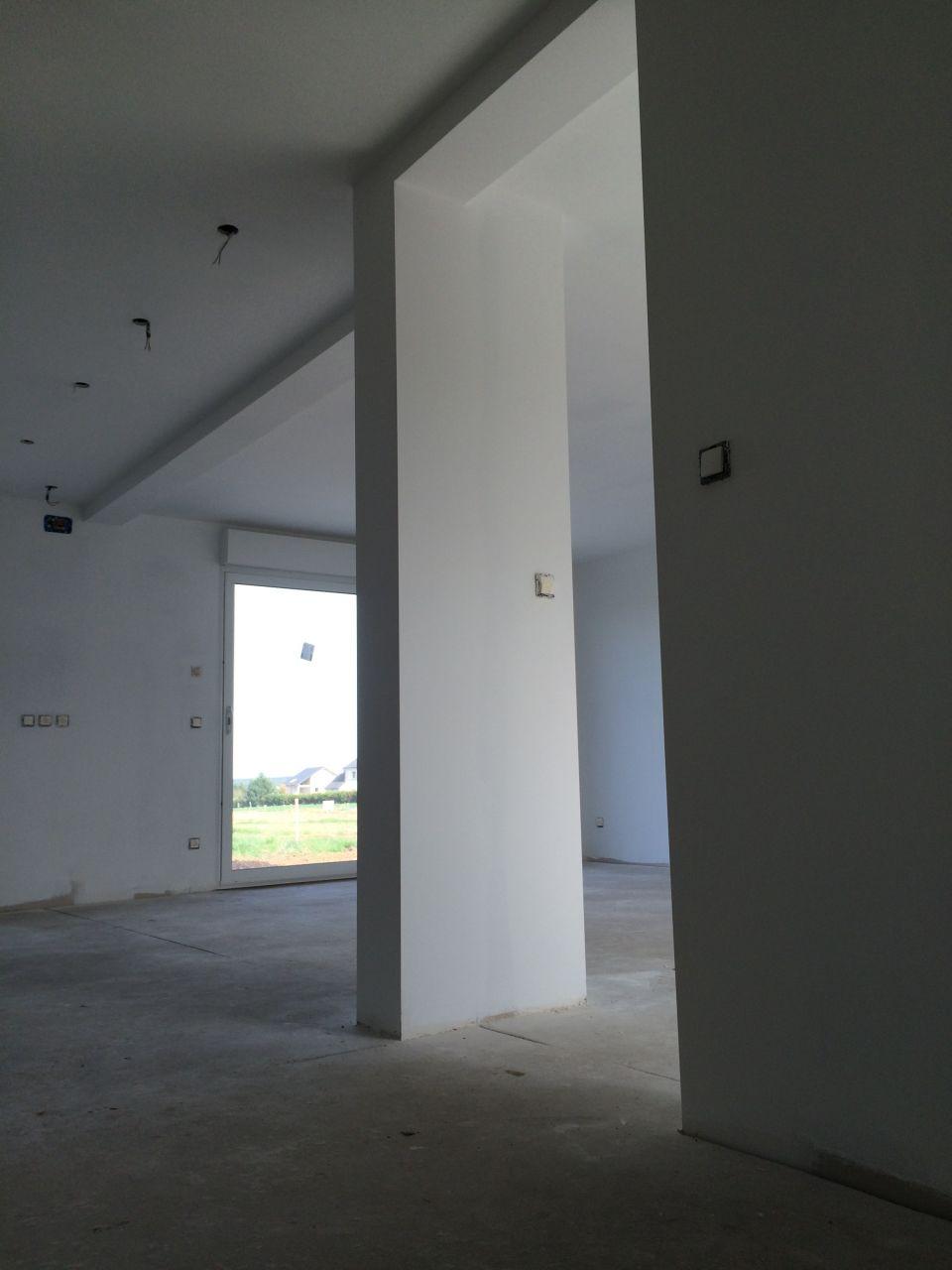 Remise des cl pon age sous couche plafond et murs joint acrylique fenetres - Peinture porte et fenetre ...