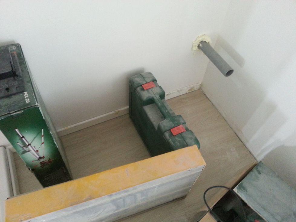 Moisissure dans un grenier 10 messages for Moisissure fenetre