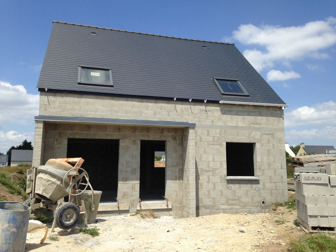 la construction avance notre maison ressemble de. Black Bedroom Furniture Sets. Home Design Ideas