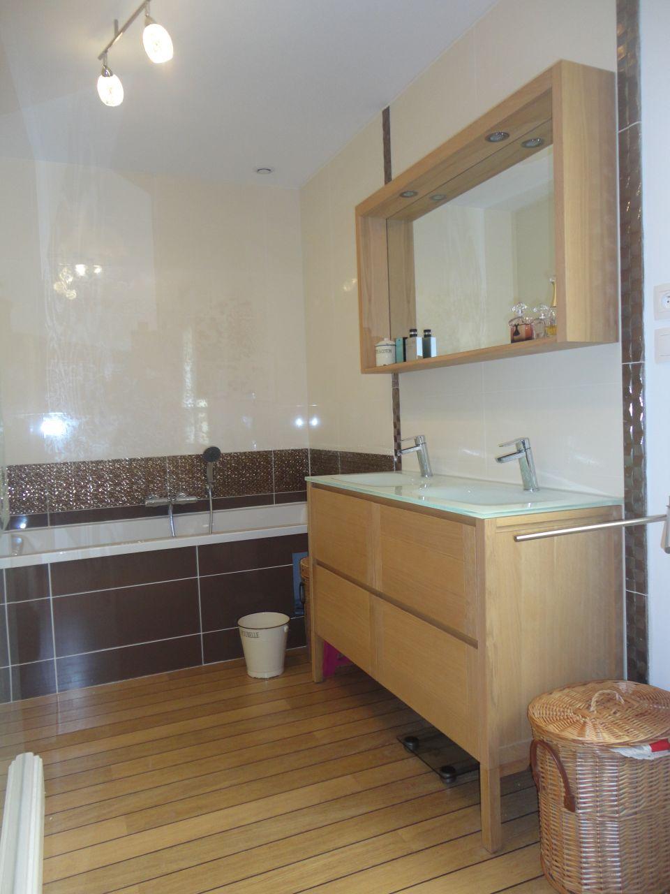 la salle de bain le cellier le bureau salle de jeux pas de calais. Black Bedroom Furniture Sets. Home Design Ideas