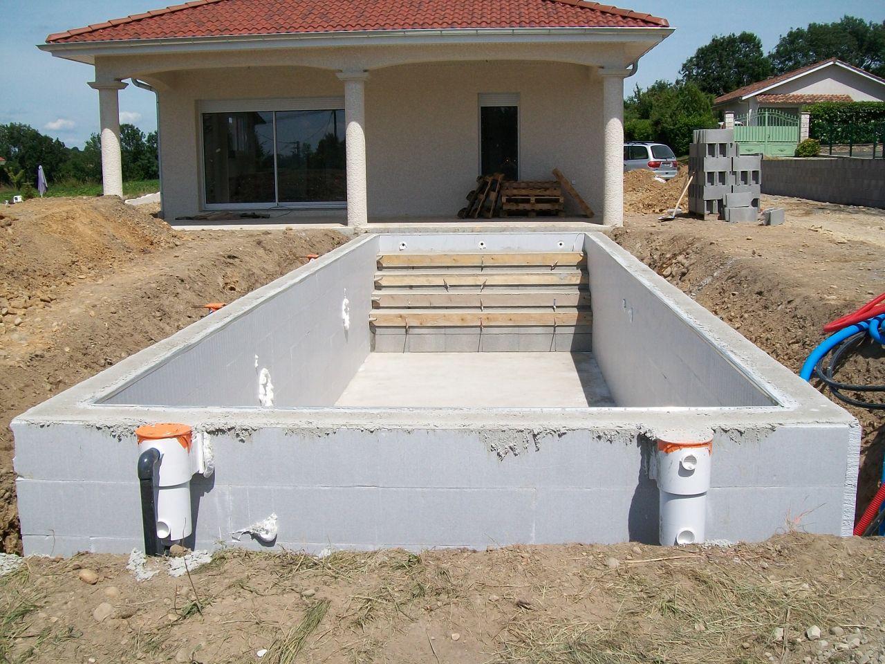 carrelage d but mur de soutenement piscine c 39 est parti. Black Bedroom Furniture Sets. Home Design Ideas