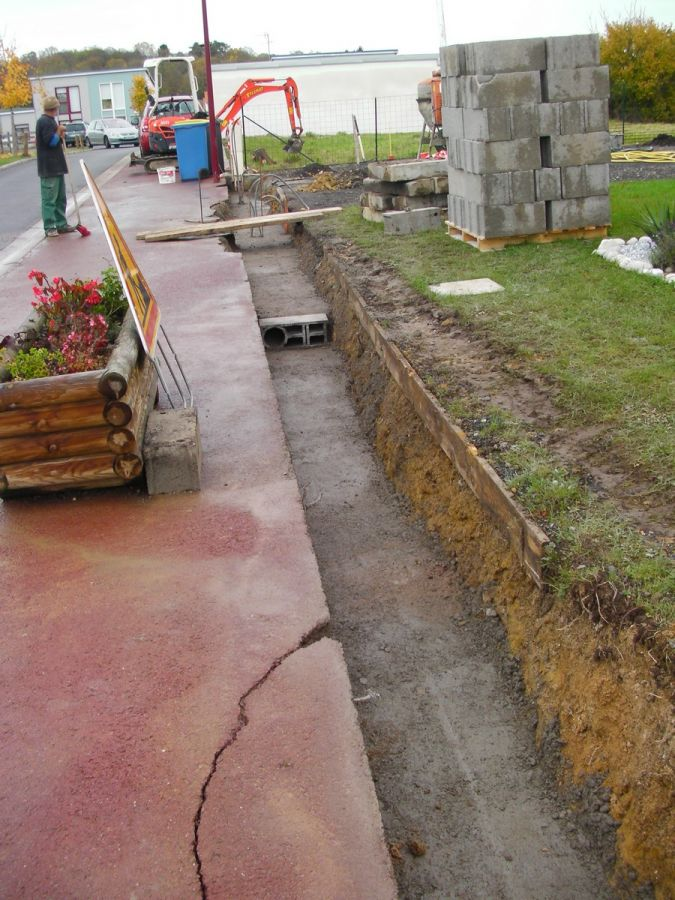 Dalle b ton pour abri de jardin montage de l 39 abri de - Ferraillage fondation muret ...