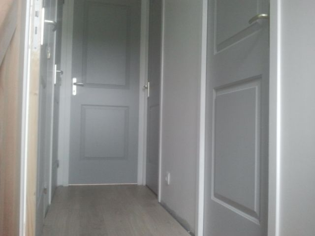 Salle de bains peinture portes int rieures for Peinture porte interieure gris anthracite
