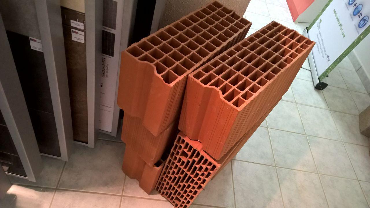 Brique de 20cm R=0.8 cellier