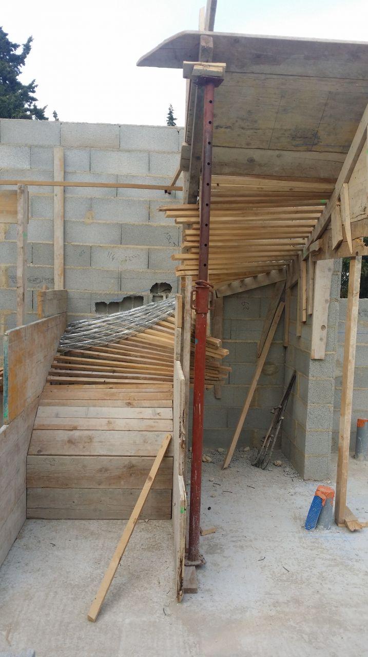 préparation du coffrage de l'escalier