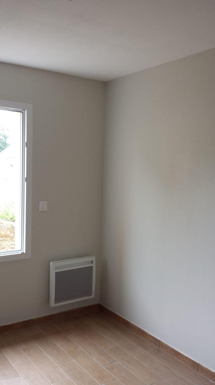Peintures, ma chambre terminée.   les peintures, encore et encore ...