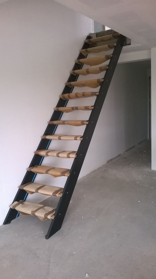 Pose escalier leroy merlin maison design for Pose escalier escamotable leroy merlin