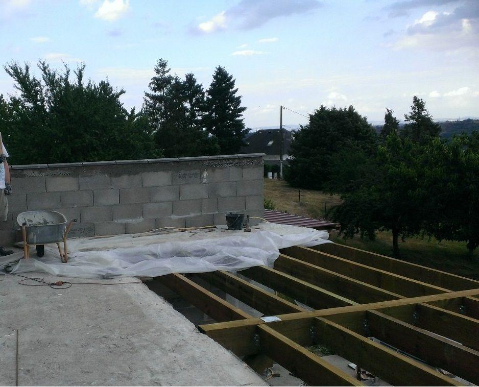 fin de la réalisation du mur pour casser le vent côté nord