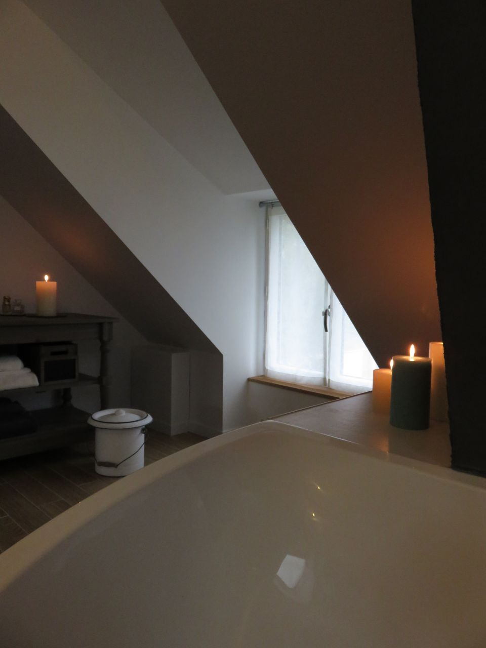 salle de bain tage de la d co en buanderie decoration salle d 39 eau murs erigne maine et loire. Black Bedroom Furniture Sets. Home Design Ideas