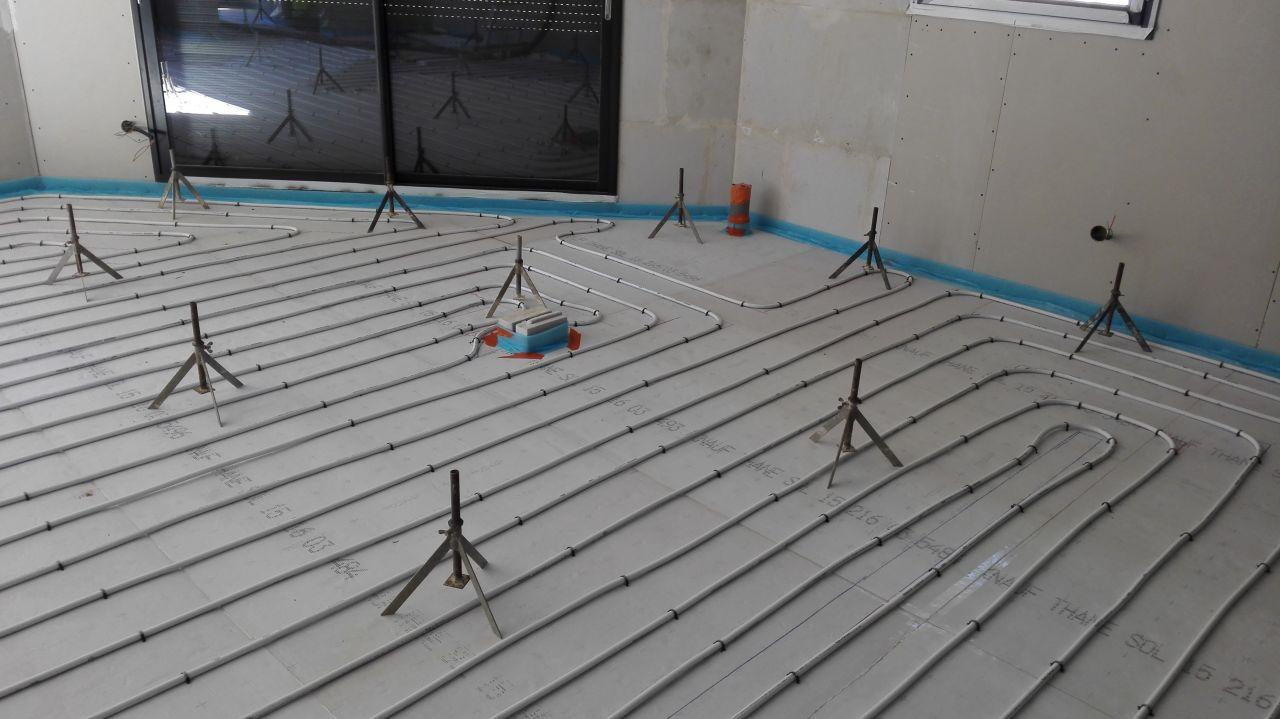 Isolation des sols plancher chauffant chape anhydrite for Quel sable pour chape