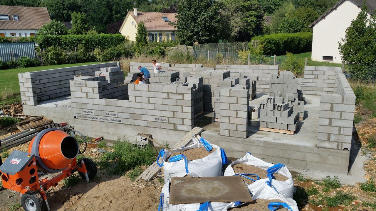 début construction des murs