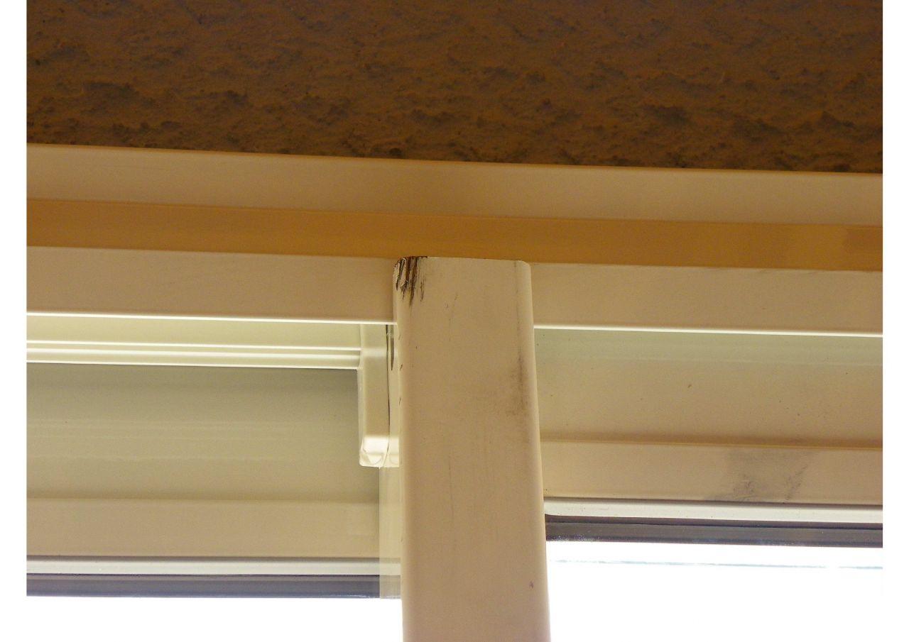 baie vitrée : montant abîmé, signalé lors de la livraison