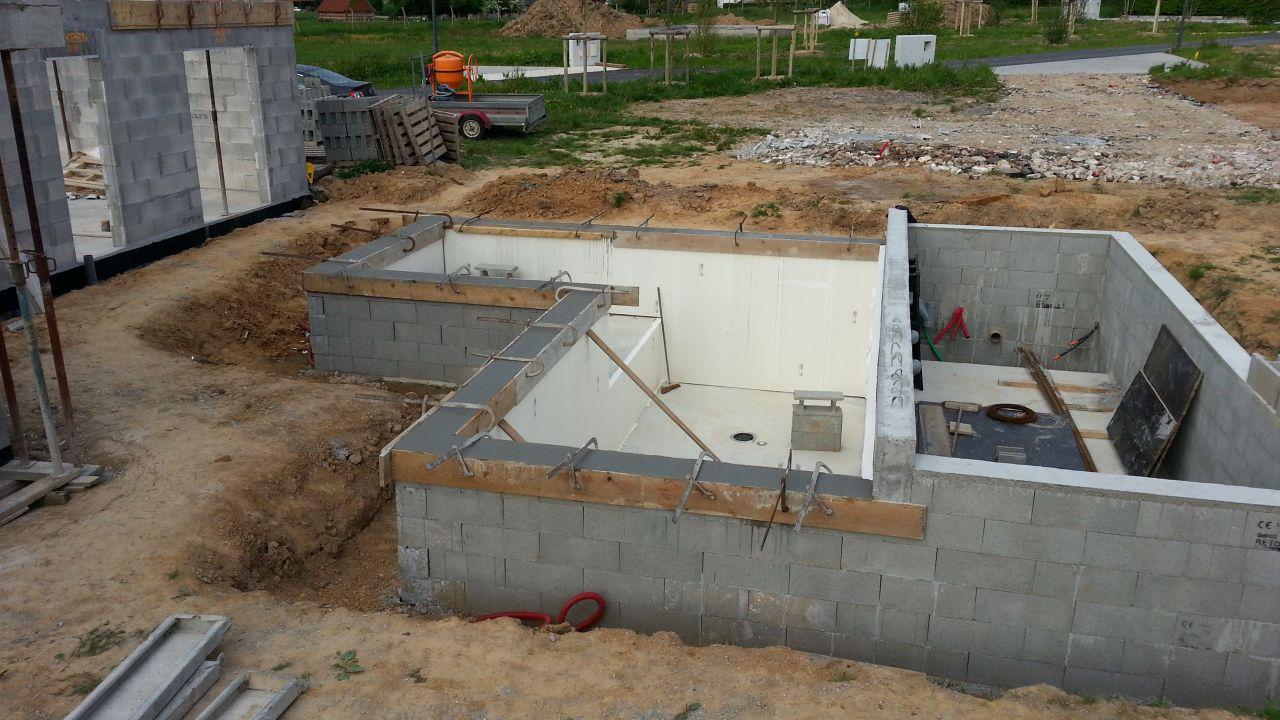 Bassin avec isolation des murs