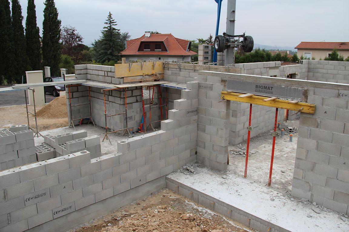 Elévation des murs du garage et du cellier