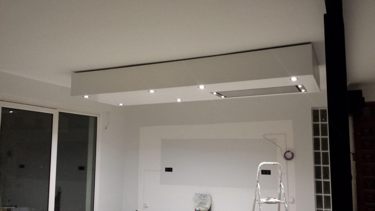 Notre maison seine saint denis for Installation faux plafond ba13