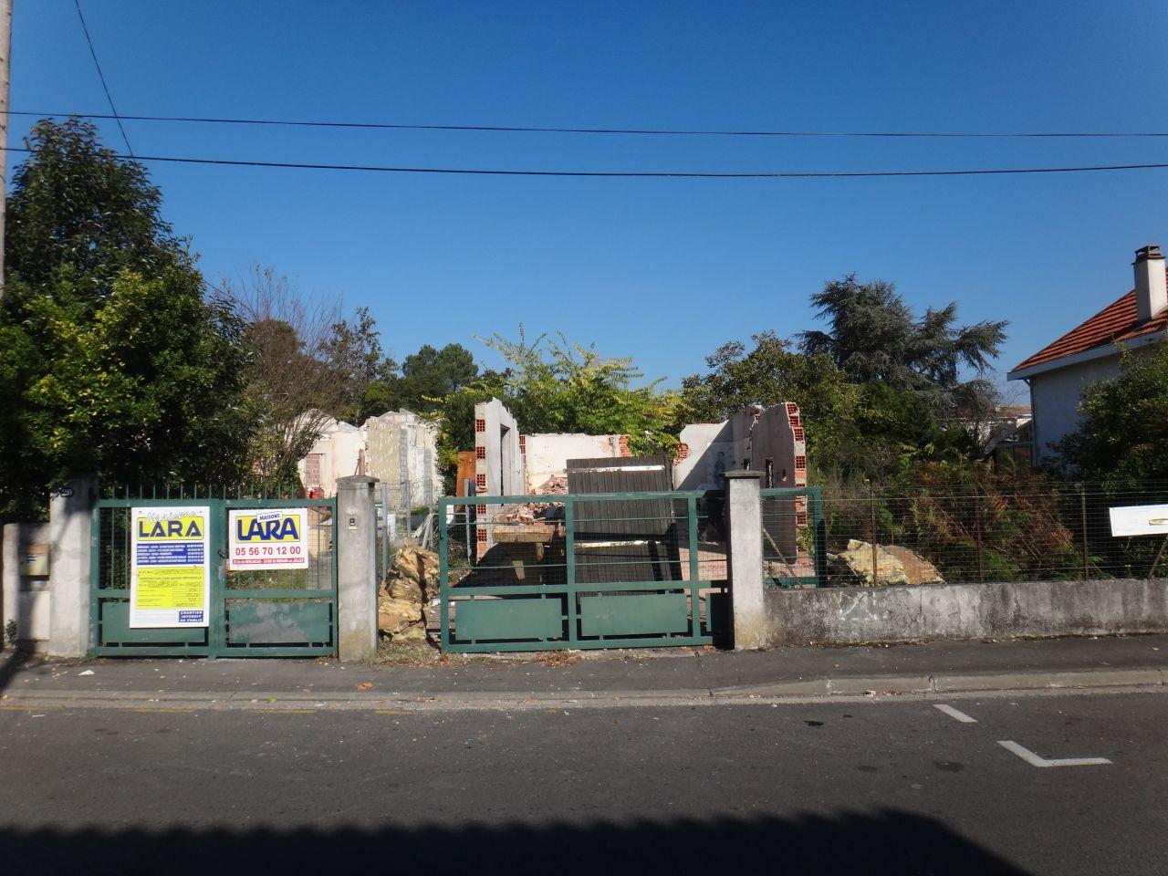 La facade apres un jour  de demolition
