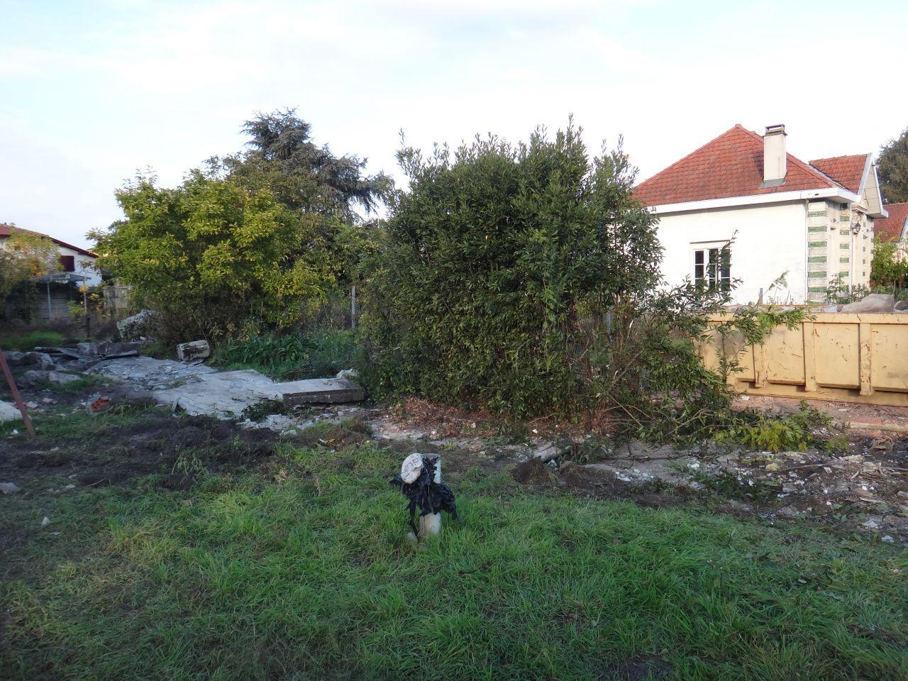 Le jardin apres deux jours de demolition