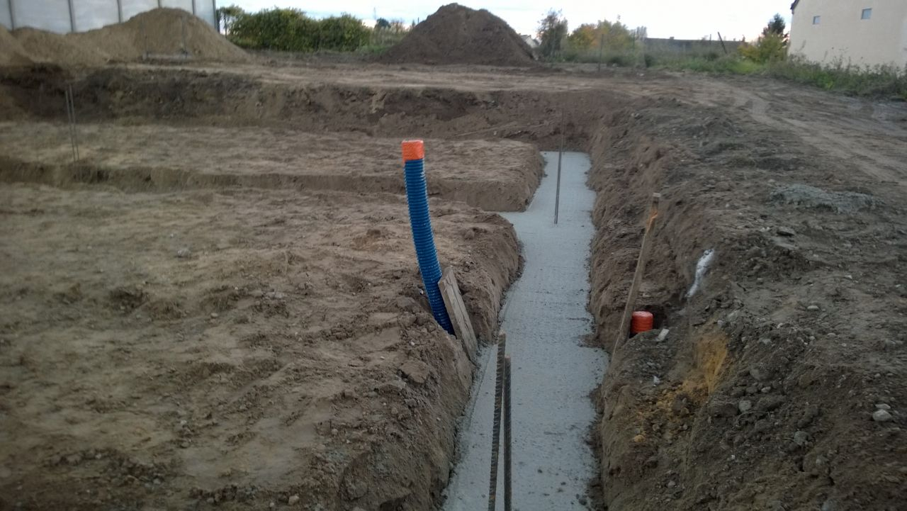 Base coulée pour les fondations.