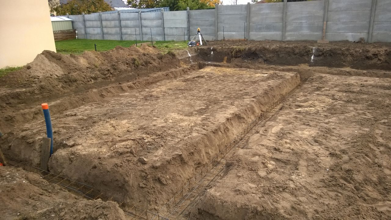 Fondations creusées à environ 80cm de profondeur pour vide sanitaire.