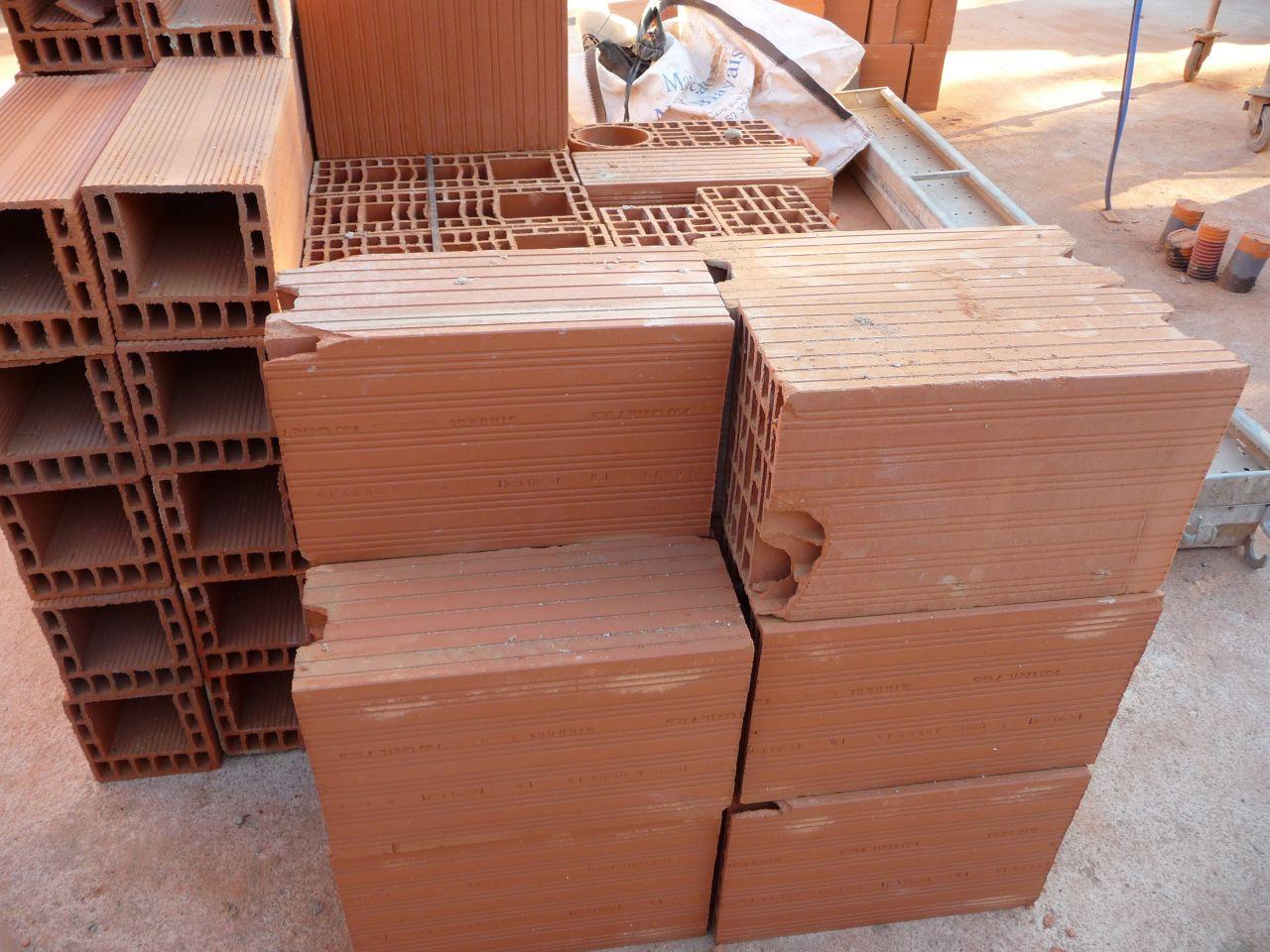 Regroupement des briques à défaut ou cassées