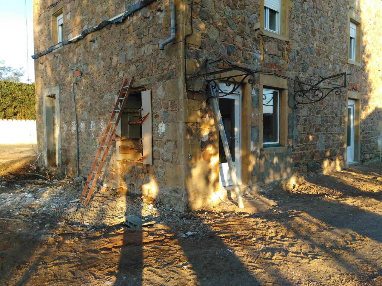 la maison retrouve son allure de 1896  (sans le PVC ah ah ah )