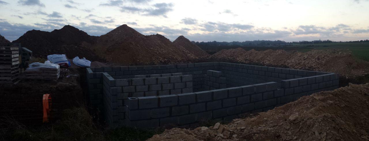 2ème jours d'élévation des murs du sous-sol